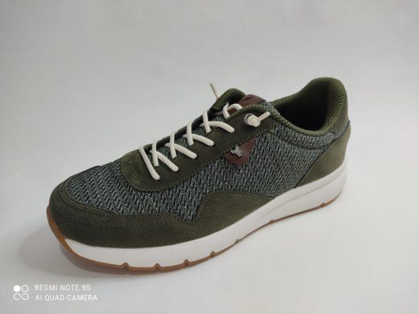 Zapatillas Yumas para chico en textil caqui , suela blanca. Cierre con cordón elástico. Plantilla extraible. P