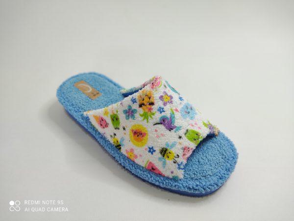 Zapatillas de casa para mujer. Suela goma eva aguamar. Plantilla de rizo aguamar. Pala de rizo blanca con estampado multicolor.